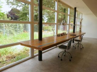 tafels en bureau's
